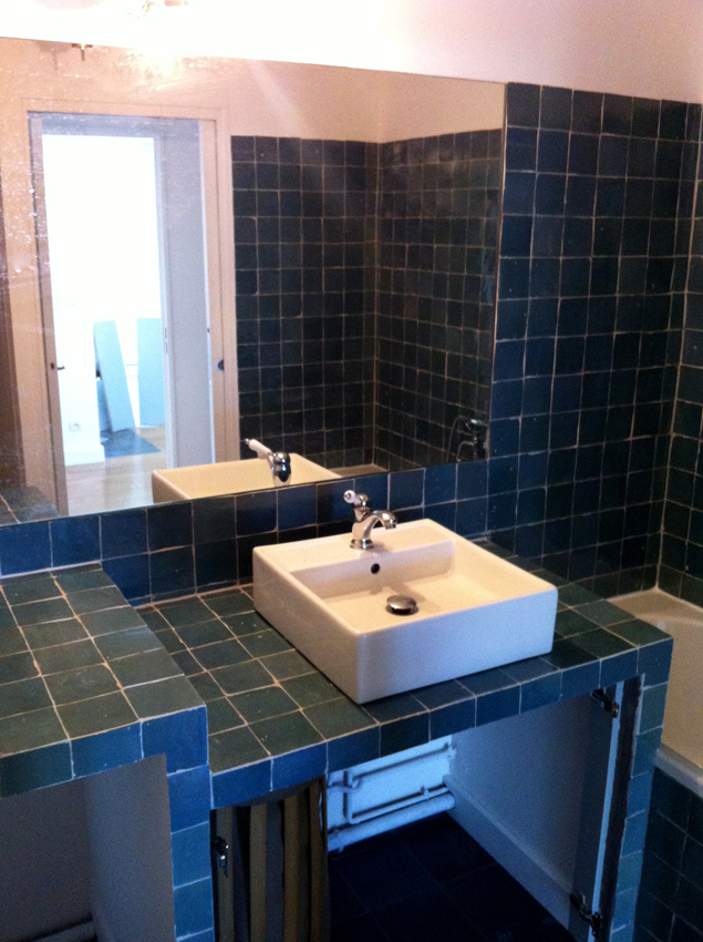 Zellige 10x10 noir for Zellige marocain salle de bain